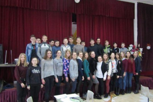 Фото учасників районного конкурсу про Сокальщину серед старших учнів
