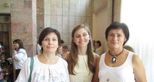 На знімку: (зліва направо) сокальські майстрині Ольга РОВЕЦЬКА, Христина ПРОЦИК, Ірина МАНДРИК.